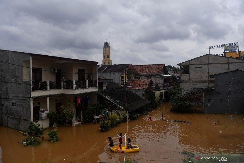 57 RT di Jakarta tergenang, Cipinang Melayu hingga 1,5 meter