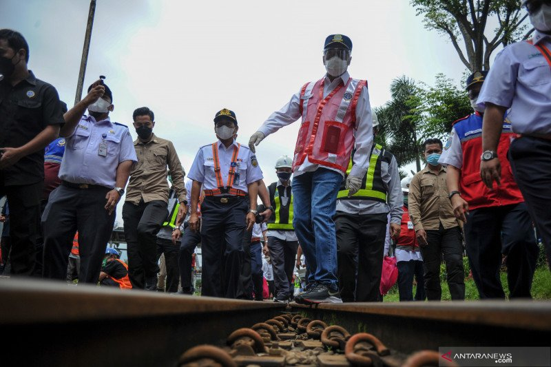 Kunjungan kerja Menteri Perhubungan ke Stasiun Bandung