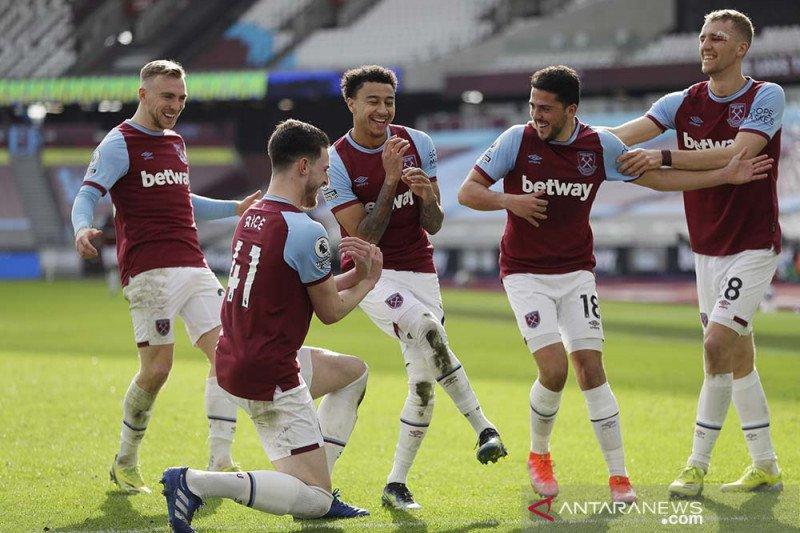 West Ham naik ke posisi keempat seusai tundukkan Hotspur