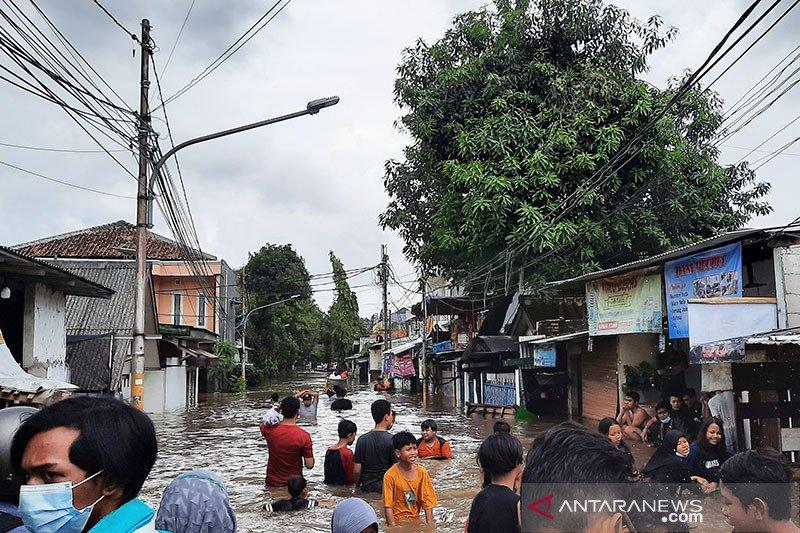 Banjir di wilayah Jakarta Selatan tersisa di dua lokasi
