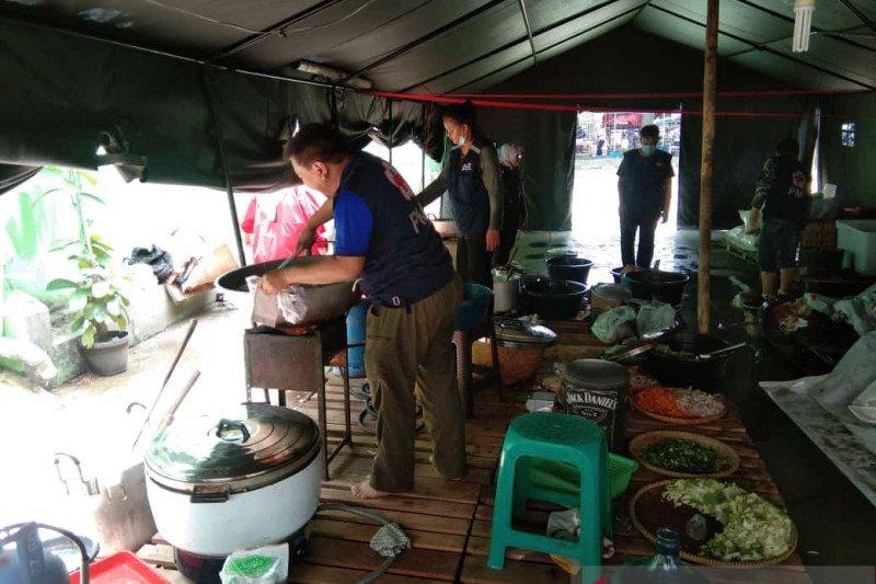 PMI Kota Tangerang buka dapur umum siapkan makan siap saji