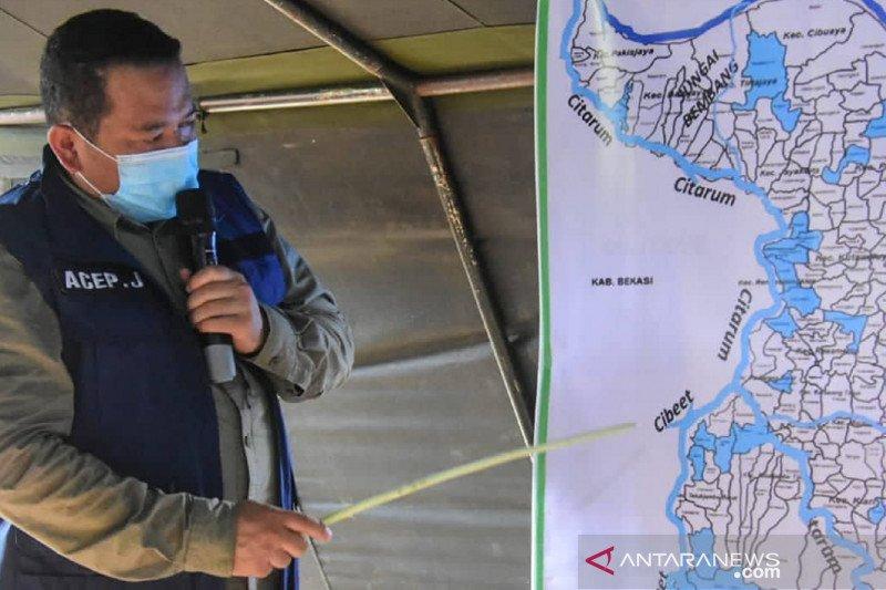 Banjir semakin meluas hingga merendam 34 desa di Karawang