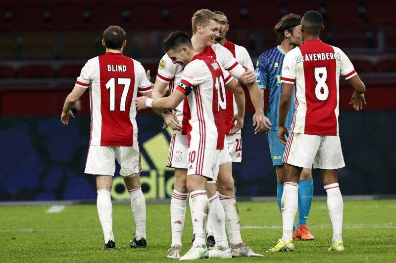 Ajax ukir kemenangan beruntun ketujuh usai benamkan Sparta 4-2