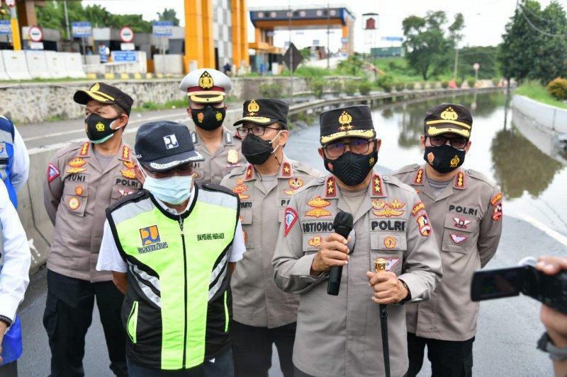 Terendam genangan, Kakorlantas cek Exit Tol Bitung Tangerang