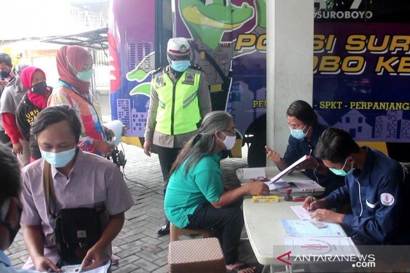 Polrestabes Surabaya blusukan layani perpanjangan SIM di perkampungan
