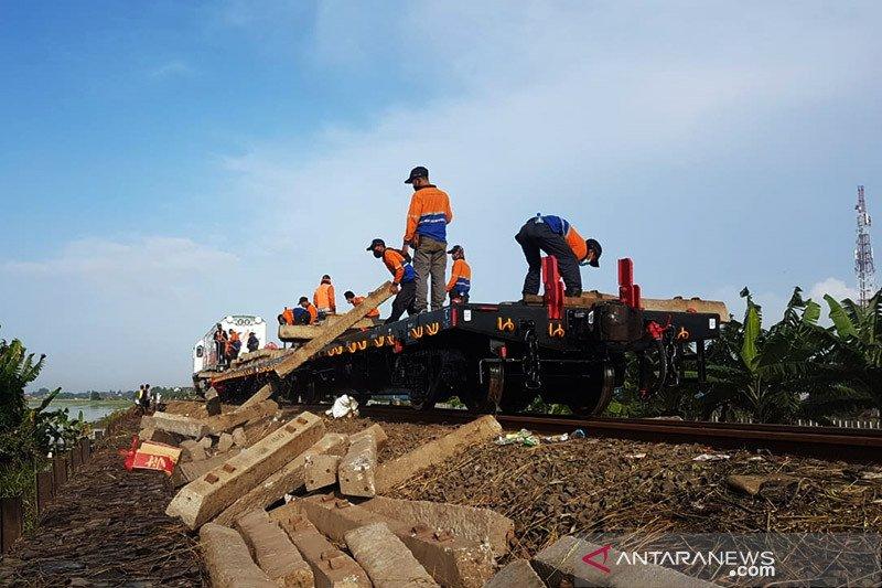 Daop Madiun beri waktu 30 hari pembatalan tiket akibat banjir