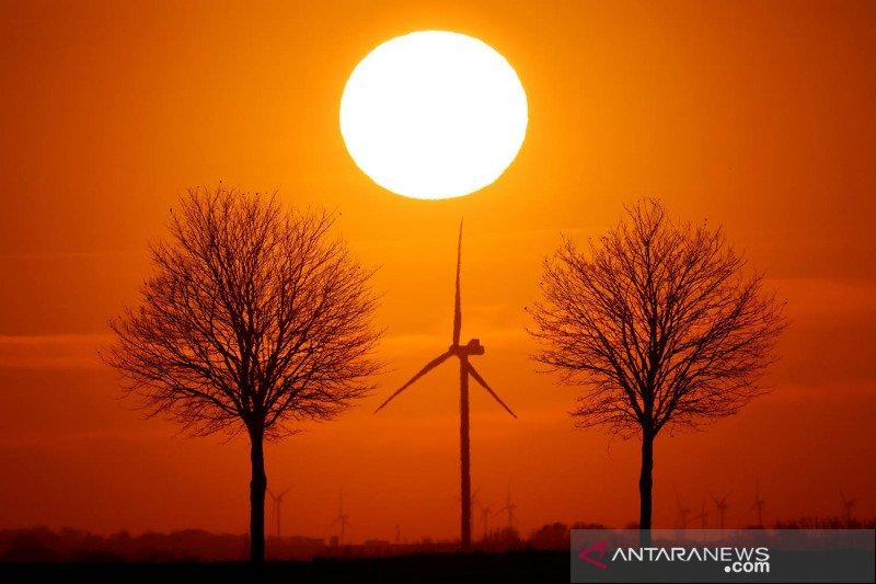 Kincir angin pembangkit tenaga listrik di Prancis