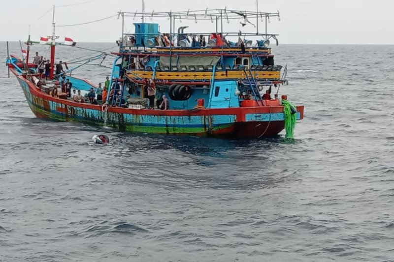 KKP tangkap kapal pelanggar daerah penangkapan ikan Pulau Kangean