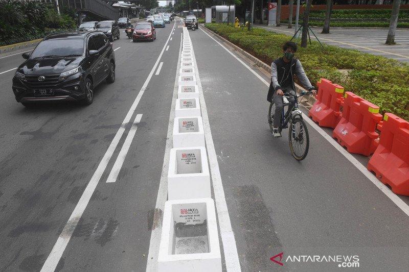 Jalur sepeda permanen di Jakarta