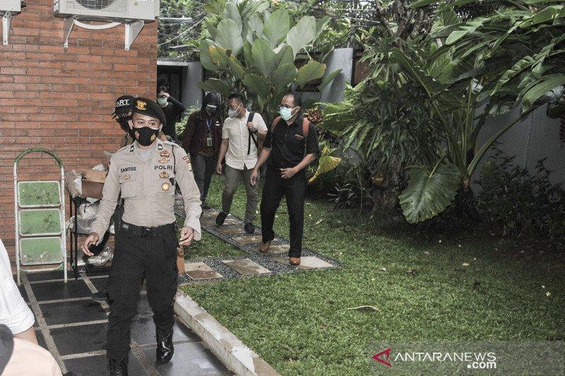Penggeledahan rumah politisi PDI Perjuangan Ihsan Yunus