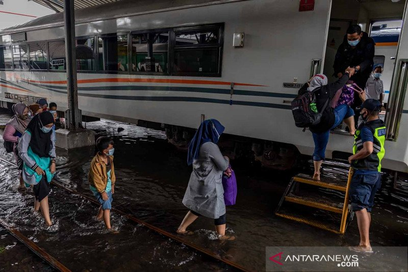Stasiun Tawang kembali terendam banjir