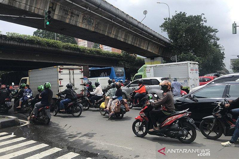 Dishub Jakarta Barat rekayasa lalu lintas Simpang Cengkareng
