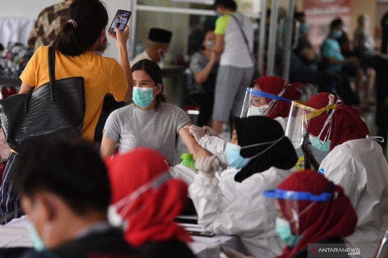 Riza: Belum ada laporan penyelewengan vaksin COVID-19 di Tanah Abang