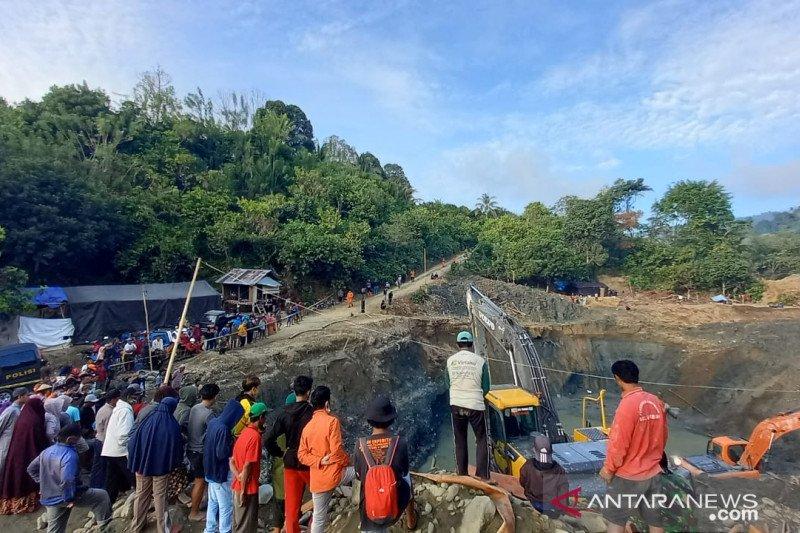 Operasi SAR libatkan puluhan orang pencarian penambang PETI Parimo