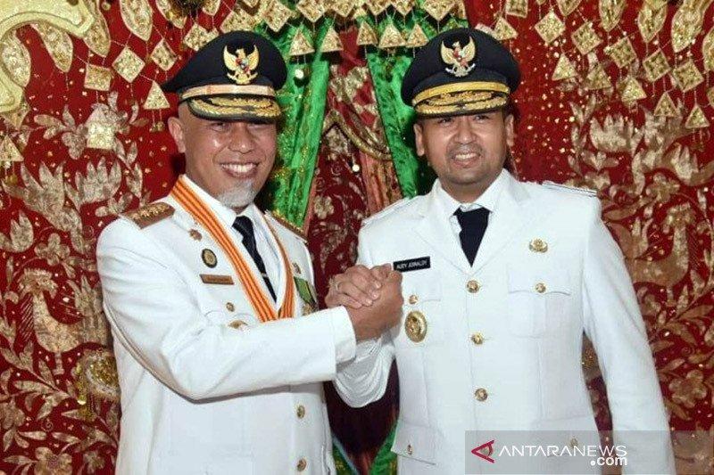 Hari ini Sumatera Barat resmi miliki gubernur baru