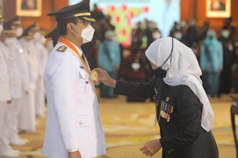 Khofifah lantik Gus Ipul jadi Wali Kota Pasuruan