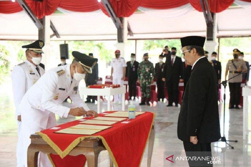 Gubernur Riau ingatkan tiga kepala daerah penuhi janji kampanye