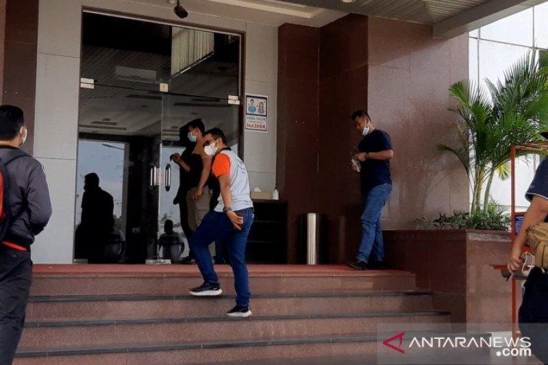 Bupati Bintan bantah dibawa KPK ke Jakarta