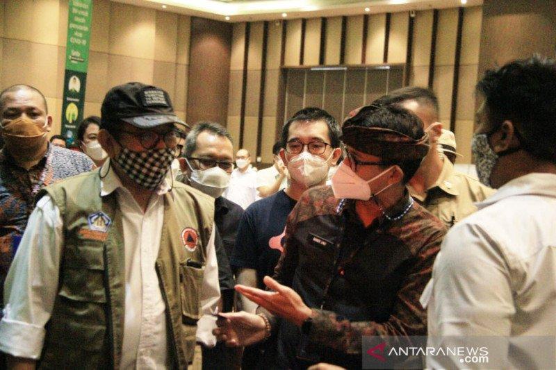 Wagub Bali apresiasi pemberian vaksin COVID-19 untuk pelaku pariwisata