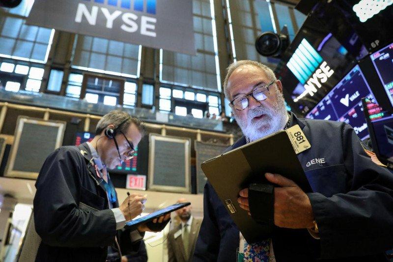Wall Street dibuka bervariasi setelah aksi jual