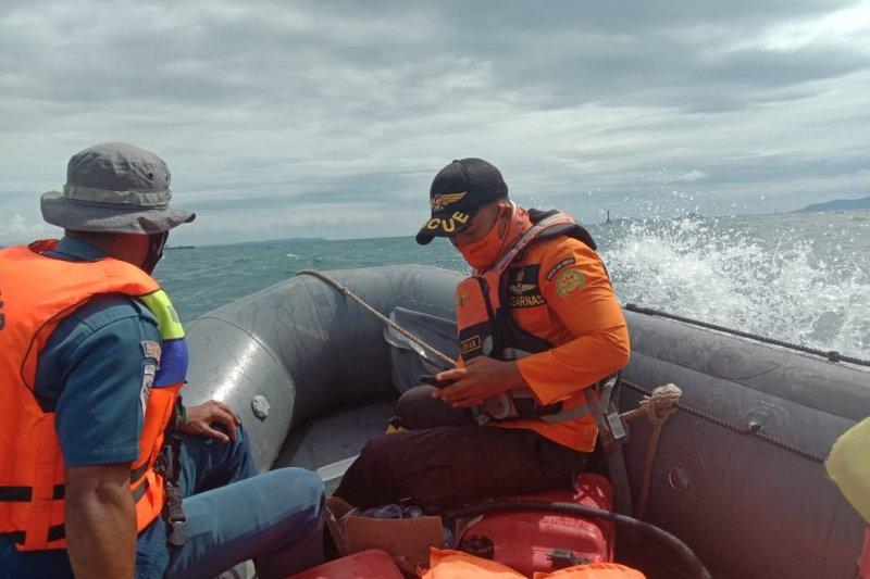 Basarnas Kendari cari nelayan hilang korban kapal mati mesin