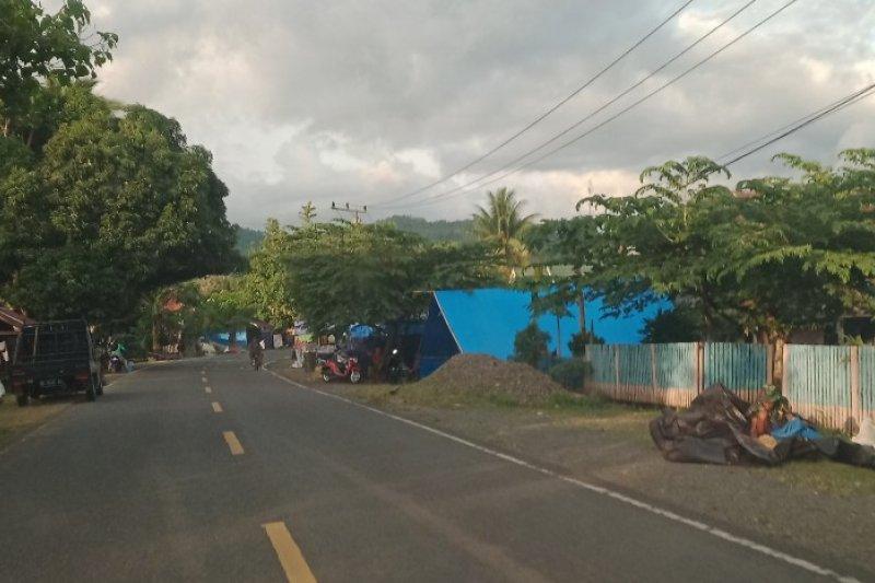 Pengungsi gempa kembali ke Mamuju