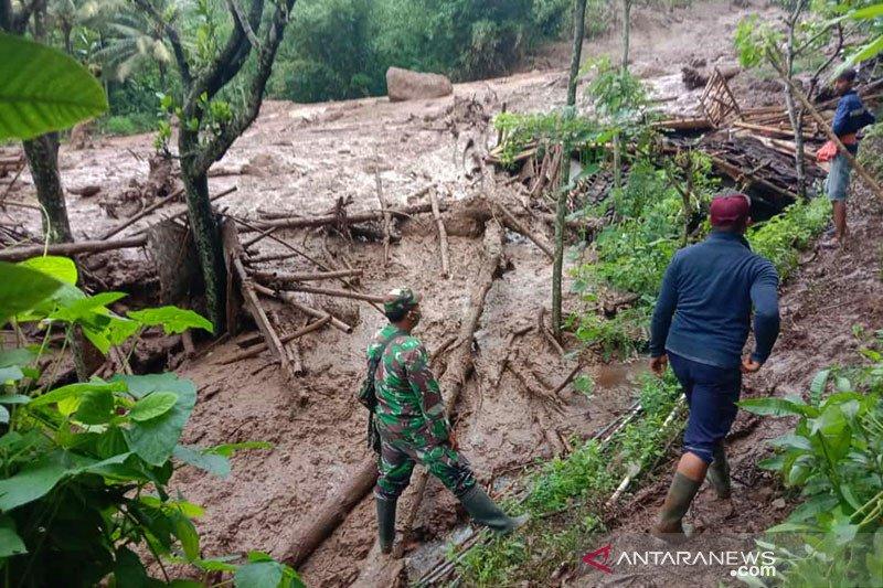 BNPB catat terjadi 657 bencana hingga 1 Maret 2021 di Indonesia