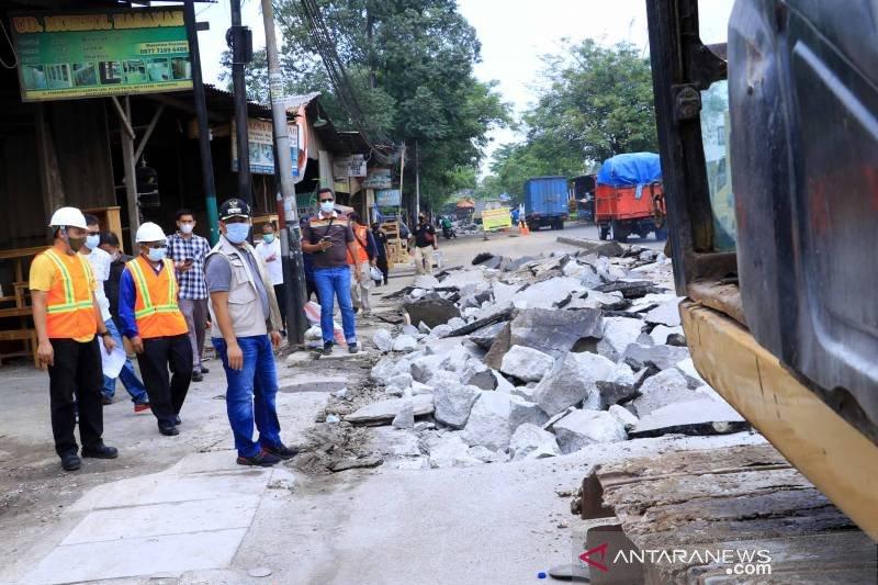 Termasuk jalan ke bandara, jalan rusak 5 km di Tangerang diperbaiki