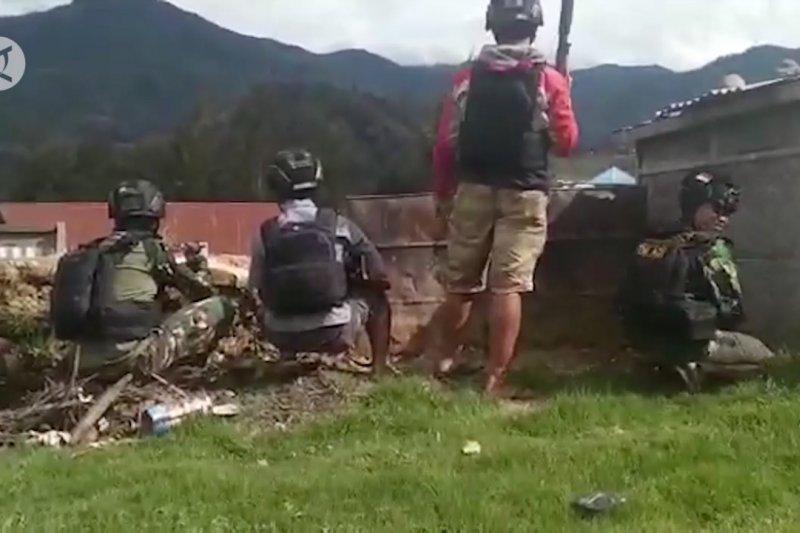 Kontak tembak dekat Bandara Ilaga Papua, 1 KKB tewas