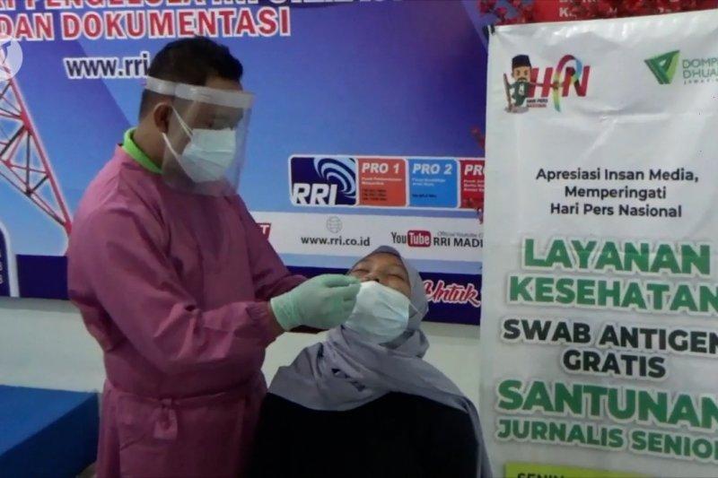 Puluhan wartawan Madiun jalani tes cepat antigen