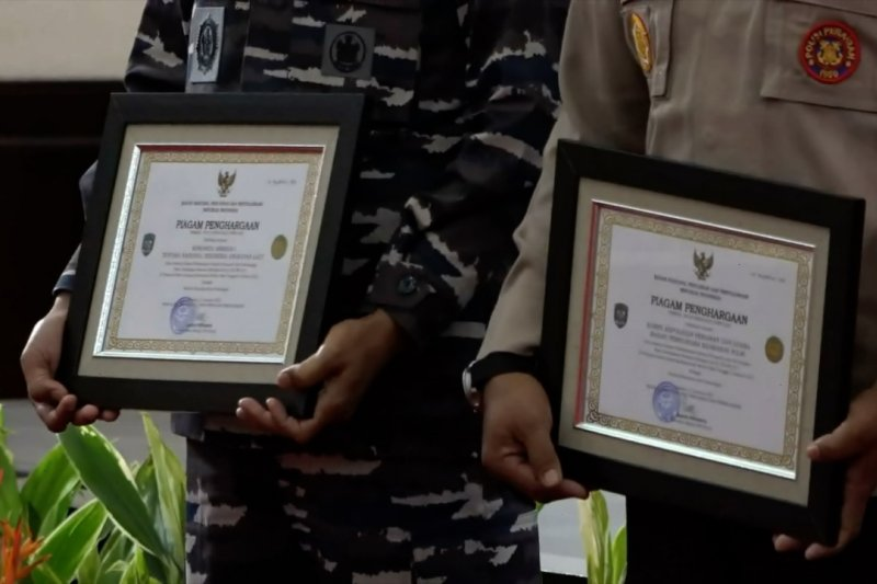 Basarnas beri penghargaan kepada tim SAR gabungan evakuasi Sriwijaya Air SJ-182