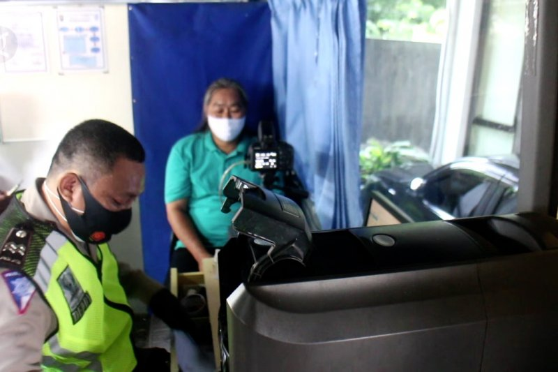 Layanan SIM keliling kampung cegah kerumunan di masa pandemi