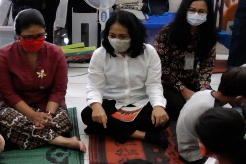 Menteri PPPA pastikan kebutuhan anak pengungsi Merapi tercukupi