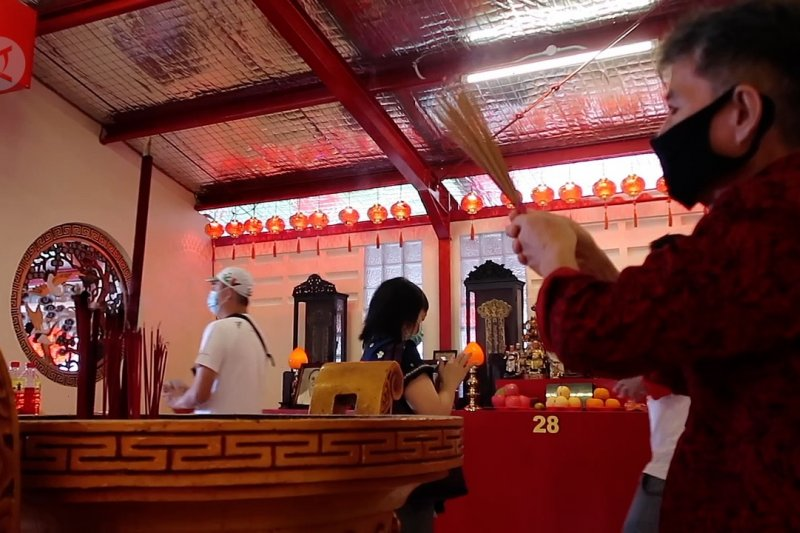 Meski tak melepas burung, perayaan Imlek di Vihara Dharma Bhakti tetap khusyuk
