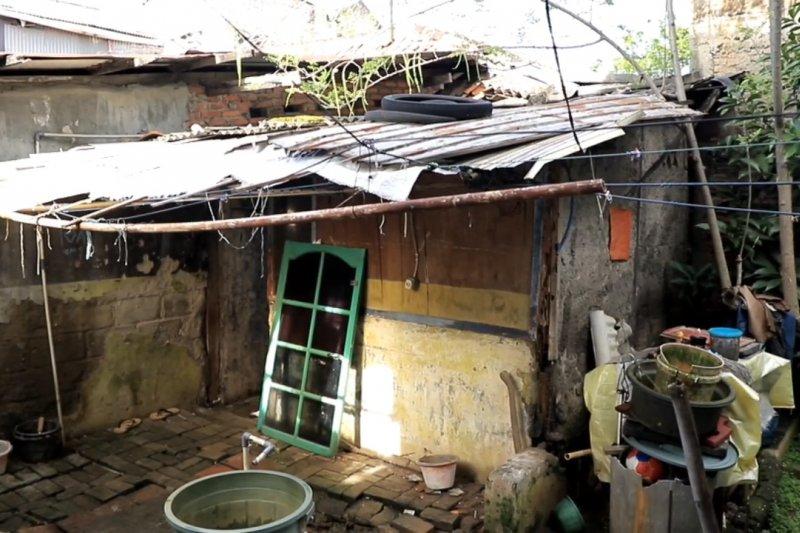Terhenti akibat pandemi, Pemkot Tangerang kembali laksanakan bedah rumah
