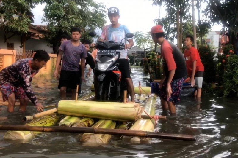 Tak hanya di kota, banjir meluas ke Kabupaten Pekalongan