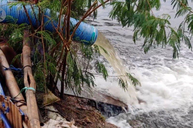 21 pompa air bekerja optimal, ketinggian banjir Pekalongan turun