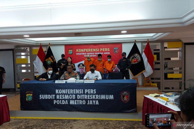 Polda Metro Jaya ringkus dua pelaku penipuan dengan modus SMS