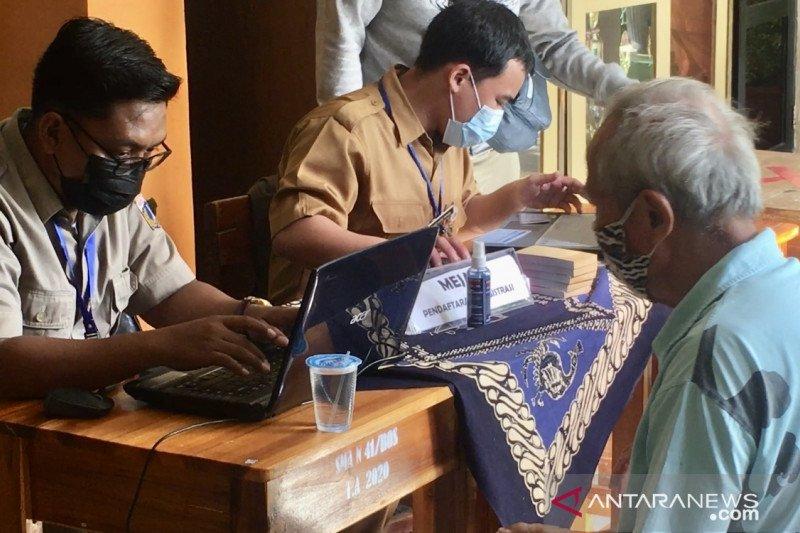 169 warga lansia terima vaksinasi di Tanjung Priok pada Senin