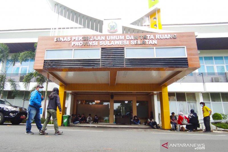 Enam penyidik KPK geledah Kantor PUPR Sulawesi Selatan