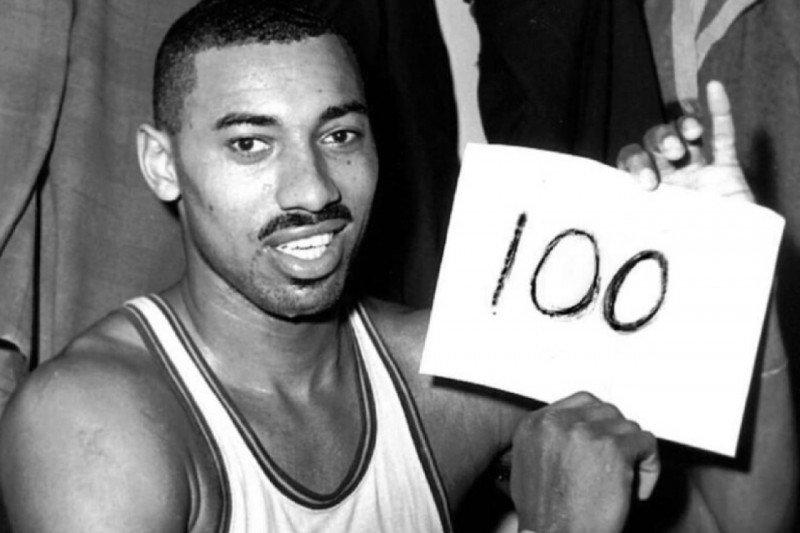 59 tahun lalu, Chamberlain cetak skor 100 saat Warriors tekuk Knicks