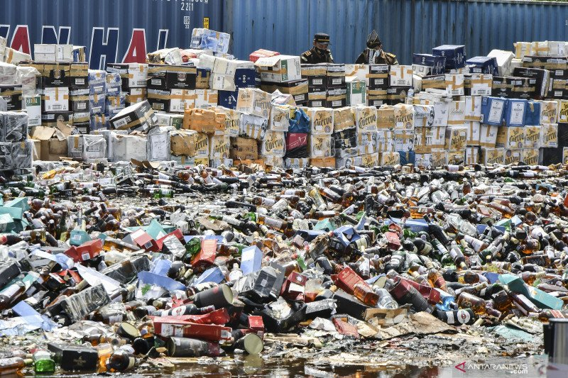 Surplus dari pengendalian impor barang konsumtif