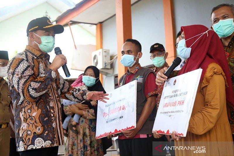 Menko: Keluarga rentan miskin dengan stunting dimasukkan penerima PKH