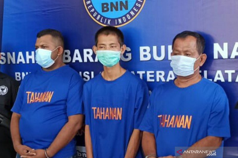 BNNP Sumsel tangkap mantan anggota DPRD Aceh bawa lima kilogram sabu