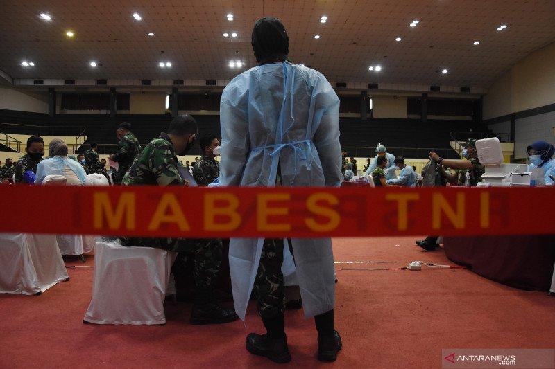 Vaksinasi COVID-19 bagi prajurit dan PNS di lingkungan Mabes TNI