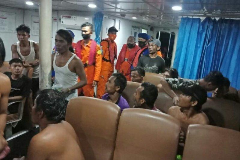 KM Rejeki Indah asal Sibolga karam dihantam badai