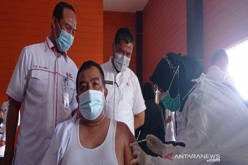 Pekanbaru mulai vaksinasi para pejabat eselon publik