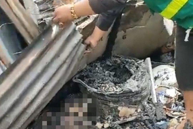 Lima rumah terbakar, satu korban meninggal di Singkawang, Kalbar