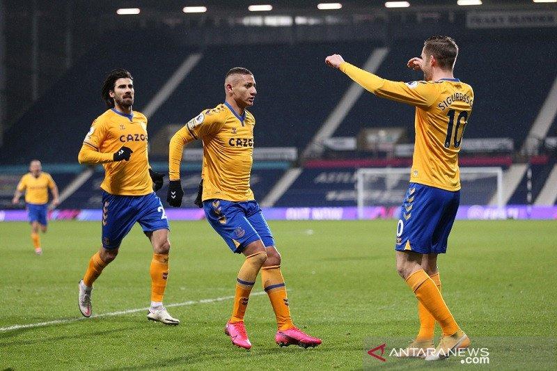 Everton sodok empat besar klasemen setelah tundukkan West Brom