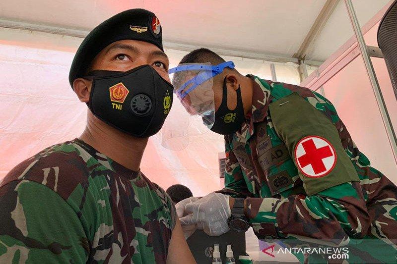 1.000 anggota TNI/Polri di Kepri divaksin COVID-19